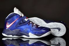 newest 59730 fb69b Nike Zoom Soldier VII Royal Blue Pure Platinum Midnight Navy 599264 400.gif
