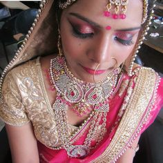 I always believe that if you feel good and look happy, you're always going to be beautiful. My one actual beauty trick is pretty cliche: Never, ever go to bed with your makeup on.   Make Up by Ruppashi Dhiman For Booking Call us @ 076967 87949  #makeup #artist #Wedding #Bride #Bridal #Ruppashi #Dhiman #ruppashidhiman