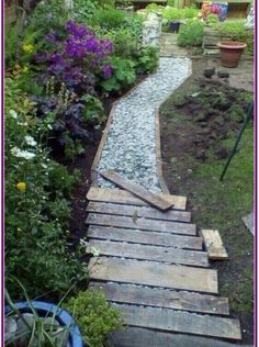 50 Breathtaking DIY Garden Paths and Walkways Design Ideas # Breathtaking Ideas . - 50 stunning DIY garden path and sidewalk design ideas # Breathtaking - Back Gardens, Outdoor Gardens, Rustic Gardens, Unique Garden, Diy Garden, Garden Bed, Garden Modern, Natural Garden, Creative Garden Ideas