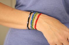 macbracelet...tut....really cute project do do with kids...or for urself!!