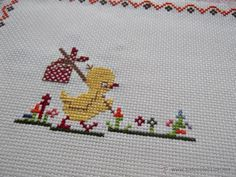 Imagen relacionada Hand Embroidery Stitches, Cross Stitch Embroidery, Cross Stitch Designs, Cross Stitch Patterns, Christmas Crochet Patterns, Cross Stitch Flowers, Sewing Crafts, Needlework, Diy And Crafts