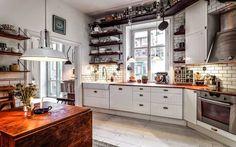 Cocina estilo vintage con mueble blanco