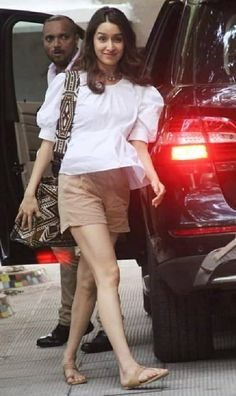 Bollywood Fashion, Bollywood Actress, Stylish Dresses, Women's Fashion Dresses, Shraddha Kapoor Cute, Classy Yet Trendy, Cute Spring Outfits, Girl Attitude, Indian Celebrities