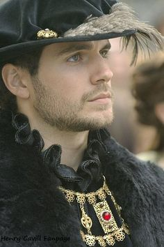 Henry Cavill lookin' smokin' as Charles Brandon, Duke of Suffolk, on Showtime's The Tudors. Charles Brandon, The Tudors, Marie Tudor, Gorgeous Men, Beautiful People, Elisabeth I, King Henry Viii, Henry Caville, Actrices Hollywood