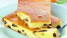 Cottage cheese casserole with raisins Czech Recipes, Russian Recipes, Apple Recipes, Baking Recipes, Fun Desserts, Dessert Recipes, Kefir, Tostadas, Cupcake Cakes