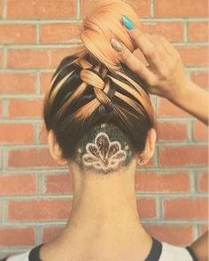 Undercut hair designs – the edgiest, most eye-catching hairstyle since the mohawk. These creative undercut looks are taking 2016 by storm. Undercut Hair Designs, Undercut Women, Undercut Hairstyles, Pretty Hairstyles, Female Undercut, Undercut Styles, Wedding Hairstyles, Natural Hair Styles, Short Hair Styles