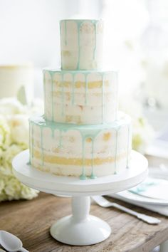 Stunning Mint and White Drip Naked Cake Design Idea