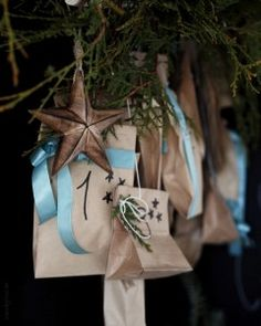 www.byrust.no/blogg  Adventskalender Gift Wrapping, Gifts, Advent Calendar, Paper Wrapping, Presents, Wrapping Gifts, Favors, Gift Packaging, Gift