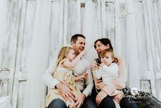 60 perces karácsonyi családi fotózás, hangulatos környezetben Couple Photos, Couples, Couple Shots, Couple Photography, Couple, Couple Pictures