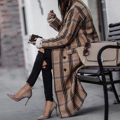 """23 χιλ. """"Μου αρέσει!"""", 218 σχόλια - Sasha Simón • LolaRio/Style (@lolariostyle) στο Instagram: """"OOTD the statement coat ✨ shop outfit details on LolaRioStyle.com or here http://liketk.it/2uAvj"""""""