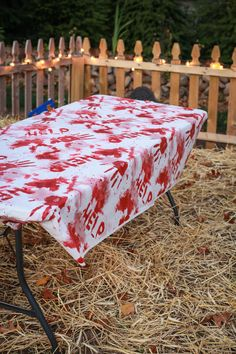 Make your beer pong table a little scary with a DIY bloody table cloth. Halloween Pranks, Creepy Halloween Decorations, Diy Party Decorations, Halloween Diy, Halloween 2018, Halloween Treats, Hallowen Party, Halloween Food For Party, Halloween Birthday