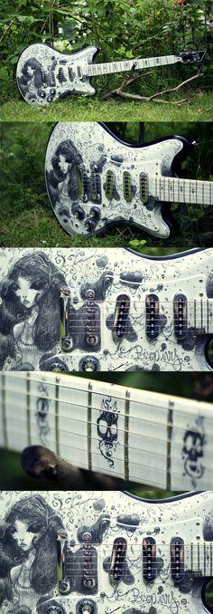La team AMKA Shop a encore frappé avec cette magnifique Custom 77 Lust for Life Poison-ivy par l'artiste MOON. Retrouvez des cours de guitare d'un nouveau genre sur MyMusicTeacher.fr