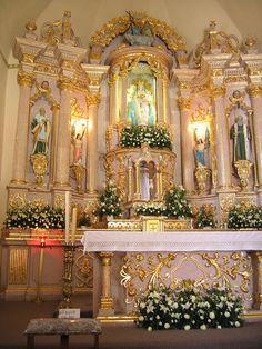 altar by M. Dolly, via Flickr