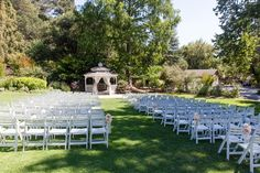 Sweet Garden Romance on Borrowed & Blue.  Photo Credit: Mad and Moonly Photography