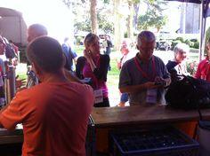Commencer le barCamp ...derrière le bar avec @batier