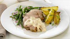 Helstekt Svinefilet Med Soppsaus - Oppskrift fra TINE Kjøkken Pork Loin, Pot Roast, Steak, Tin, Food And Drink, Turkey, Snacks, Meals, Chicken