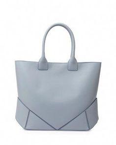 bfd31d6f15 5889 Best Designer handbags images in 2019