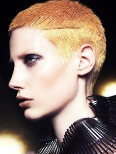 ¡Por fin es viernes! ¡Viva el color! #Hair: Mark Leeson Visto en tupelu