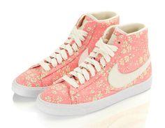 Pastel flowers for Nike x Liberty London l #pastel #sneakers