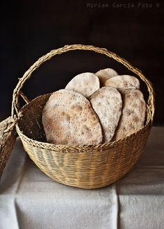 Crackers de masa madre.     http://invitadoinvierno.com/panes-masas/crackers-de-masa-madre/