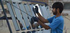 Organização ensina como construir seu próprio painel solar para democratizar energia limpa