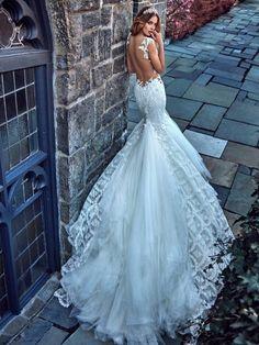 Copy the photo/not the dress Galia Lahav bridal spring 2017 cap sleeves sweetheart mermaid wedding dress (ms elle) sv train Dream Wedding Dresses, Bridal Dresses, Wedding Gowns, 2017 Wedding, Backless Wedding, Satin Dresses, 2017 Bridal, Dress Lace, Wedding Ceremony