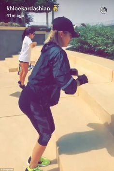 Kourtney and Khloe Kardashian take part in another strenuous workout