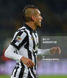 Roberto Pereyra of Juventus FC in action during...
