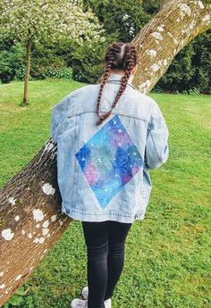 This was originally a Lee branded denim jacket. I have hand-painted it with a diamond-shaped galaxy design which is perfect for the upcoming festival season. The model is a size 8 and wearing it very oversized. Oversized Denim Jacket, Denim Jackets, Jean Jackets, Painted Jeans, Hand Painted, Jean Jacket Outfits, Diy Jeans, Diamond Paint, Casual Jeans