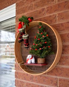 Diy Sieve Christmas Wreath Diy Sieve Christmas Wreath How To Make A Christmas Wreath Using A Wood Sieve Wood Sifter Rustic Christmas Wreath Christmas Wreaths To Make, Christmas Door, Outdoor Christmas Decorations, Christmas Centerpieces, Holiday Wreaths, Rustic Christmas, Christmas Crafts, Holiday Decor, Rustic Theme