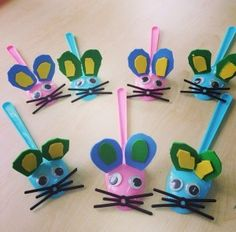 Mouse craft idea for kids Animal Crafts For Kids, Craft Activities For Kids, Art For Kids, Planet Crafts, Plastic Spoon Crafts, Diy And Crafts, Arts And Crafts, Mouse Crafts, Spoon Art