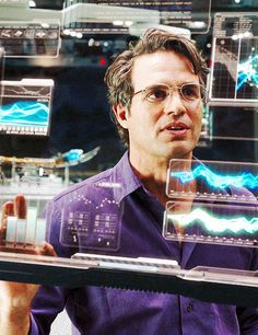 Bruce Banner : the tragic hero on steroids. Catnip for romantics who love superhero movies...