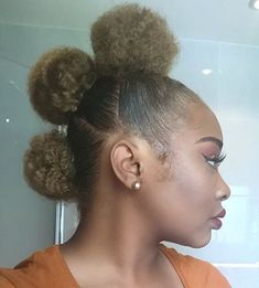 this puff + frohawk combo is GORGEOUS !!! @shyansmith_ #MyHairCrush #afropuffs #afro #afrohair #frohawk #teamnatural #naturalhair myhaircrush.com
