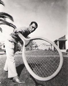 Buster Keaton with Giant tennis racket MGM pic Tennis Funny, Le Tennis, Sport Tennis, American Comics, American Actors, Old Hollywood, Classic Hollywood, Hollywood Images, Hollywood Stars
