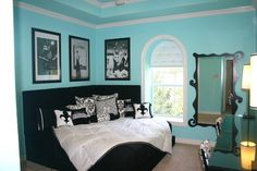 such a cute bedroom ! love black & Tiffany blue