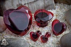 Red glass faceted heart plugs from BodyArtForms.com. WANT! 9/16 please ;)