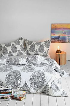 Plum & Bow Kylee Duvet Cover - Urban Outfitters