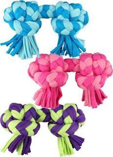 Use old t-shirts for dog toys! #DIYPetProject http://hereinthewaitingplace.blogspot.com/search/label/10%20Things%20to%20Do%20With?utm&utm_content=buffer6b8e5&utm_medium=social&utm_source=pinterest.com&utm_campaign=buffer#_content=buffer368a7&max-results=20&start=15&by-date=false