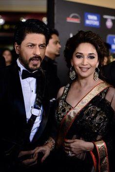 SRK and Madhuri Dixit Nene at IIFA 2013