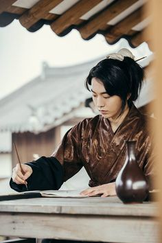 Nam Joo Hyuk's gets a charming makeover as a historical prince in new Scarlet Heart: Ryeo