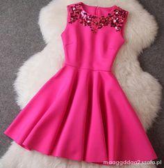 zdjęcie Piękna sukienka rozkloszowana w pełnej rozdzielczości