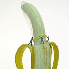 banana condom - little people Ftv Pics, Sexy Painting, White Zombie, Good Night Image, Arte Pop, Fruit Art, Creative Advertising, Little People, Erotic Art