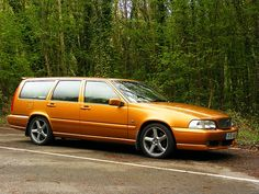 Saffron Volvo V70 from about 1997.