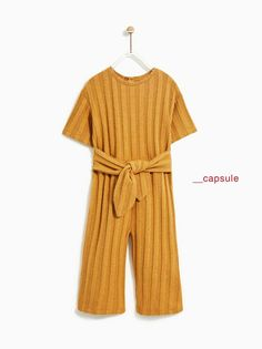 The back to school of Zara girl for autumn 2018 items + 2 to buy NOW!) - Spiked mothers - The back to school of Zara girl for autumn 2018 items + 2 to buy NOW!) – Spiked mothers You ar - Fashion Kids, Little Girl Fashion, School Fashion, Zara Kids, Zara Jumpsuit, Jumpsuit Dress, Dresses Kids Girl, Kids Outfits Girls, Zara Girls Dresses