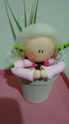 Anjinha no vaso