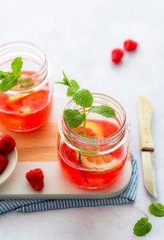 Frambozen limonade   Eef Kookt Zo Smoothie Drinks, Smoothie Recipes, Smoothies, Dessert Drinks, Desserts, Food Blogs, Cold Brew, Lemonade, Cantaloupe