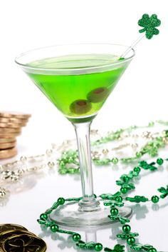 St. Patrick's Day cocktail recipes & Irish Coffee recipe. Do more than dye your beer green! Have fun with easy to make cocktails.