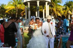 Wedding Playa del Carmen Riu Riviera Maya, lovely gazebo ceremony!  Mexico wedding photographers Del Sol Photography