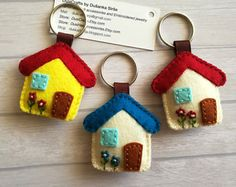 Felt House keychain,