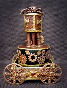 This steampunk cake is amazing.